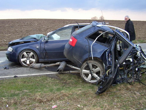 effects of alcohol on road accident This ebook offers middle-school students a better understanding of the effects that drinking alcohol can have  drunk driving  position on the road,.