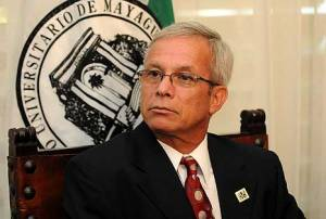 Dr. Miguel Muñoz, President of the University of Puerto Rico, defended the hiring stating that the policies have been followed completely and that it was a necessity for the campus.