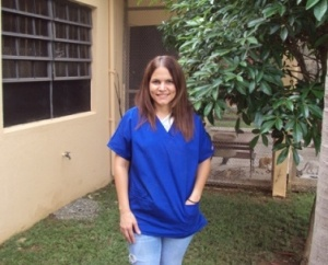 Dr. Alexandra Rodríguez full with enthusiasm in another day at work in Villa Michelle Shelter. Alexandra how she like to get call starts as a volunteer at the shelter when she was young,her love for the animals pursue her to turn it into her proffesion.