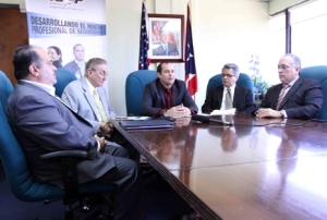 The Department of Corrections and Rehabilitation and the University of Puerto Rico entered into a collaborative agreement to professionalize agency employees to ensure the effectiveness of rehabilitation programs.