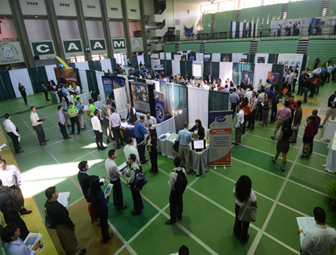 The first edition of the Spring Job Fair was originated as a petition of the same companies that came in October and asked why the UPRM didn't celebrate a job fair in spring like other universities in the states.