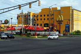 McDonalds streetlight from another angle.