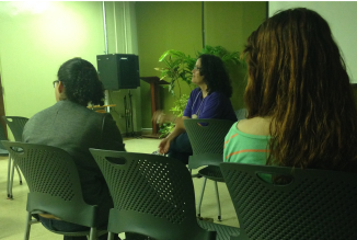 Humanities Professor Lissette Rolón Collazo discussing the film with students of the UPRM.