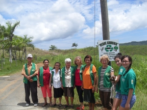 "Part of the ""Verde Armonía"" volunteers making presence in the adoption of an area for environmental care, near ""Valle Coloso"""