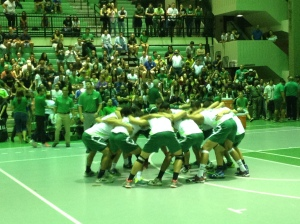 """Colegio"" Volleyball team making their ritual and singing their song before start the game. The team reach their 17th championship in this year. They sing ""Como dice Colegio y quienes somos tarzanes  quien nadie quien nadie quien quien nadie quien nadie quien quien nadie quien nadie ""."