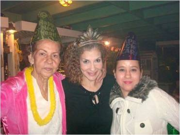 Carmen Aida Toro (left), Mayra Palerm (center) and Carmen Morales (right) having a happy 2012 New Year's celebration. They express to be a very united family.